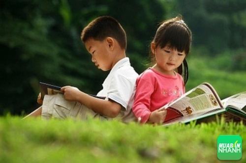 Những cuốn sách vừa là đồ chơi vừa là người thầy của bé