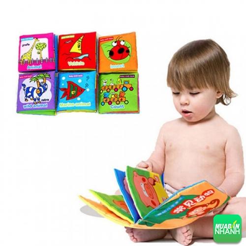 Ngoại trừ giá thành khá đắt, sách vải là sự khởi đầu hoàn hảo dành cho bé
