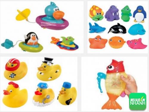 Kinh nghiệm chọn mua đồ chơi nhà tắm an toàn cho bé